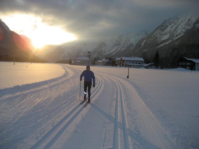 Skilanglauf und Skating im Leutaschtal - das ist einsame Spitze! Optimal für einen Aktivurlaub - aber auch für Ausdauersportler die richtige Alternative im Winter